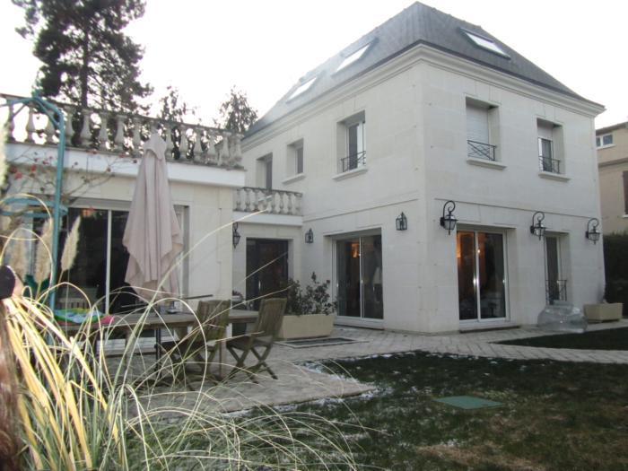 Vente Maison de 8 pièces 280 m² - ST MAUR DES FOSSES 94100 | ETUDE LA ROQUETTE - AR photo1