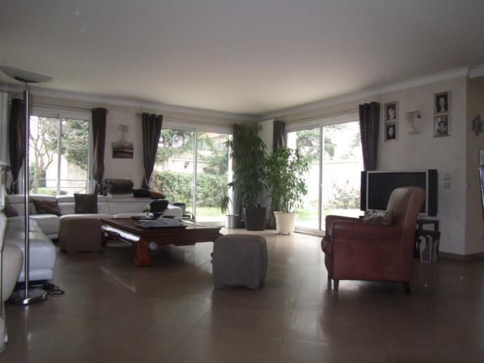Vente Maison de 8 pièces 280 m² - ST MAUR DES FOSSES 94100 | ETUDE LA ROQUETTE - AR photo3
