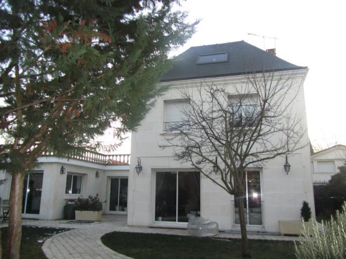 Vente Maison de 8 pièces 280 m² - ST MAUR DES FOSSES 94100 | ETUDE LA ROQUETTE - AR photo6