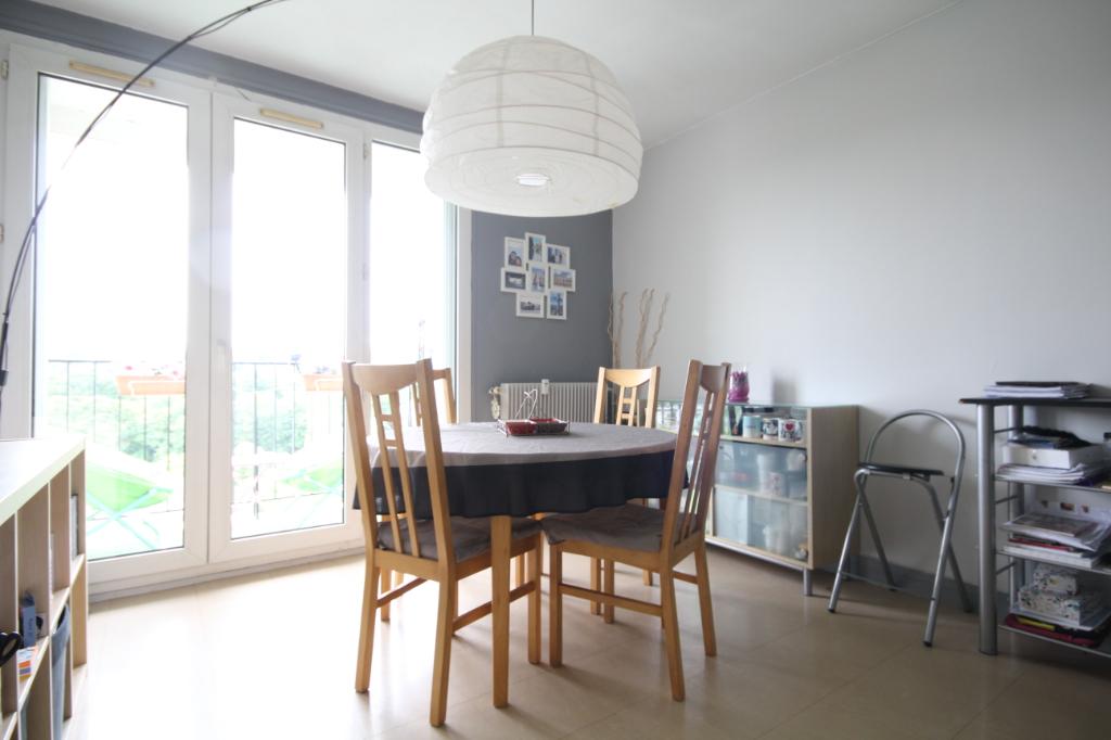 Sale apartment Saint germain en laye 378000€ - Picture 2