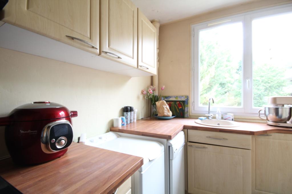 Sale apartment Saint germain en laye 378000€ - Picture 3