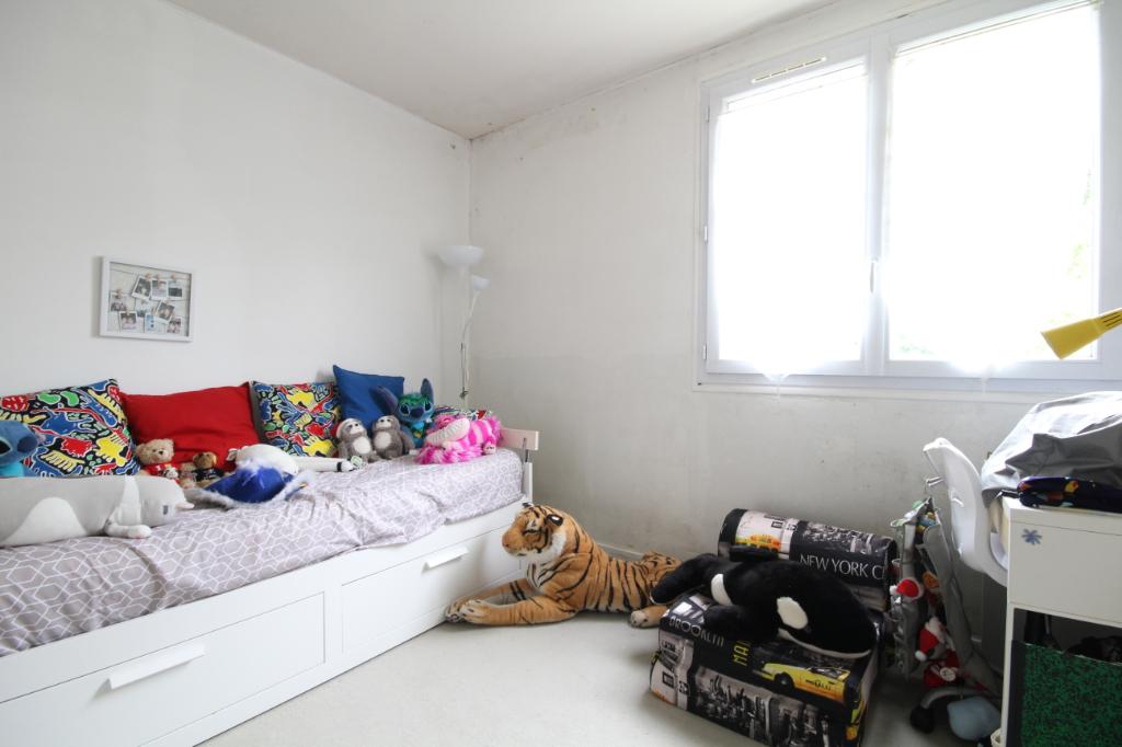 Sale apartment Saint germain en laye 378000€ - Picture 6