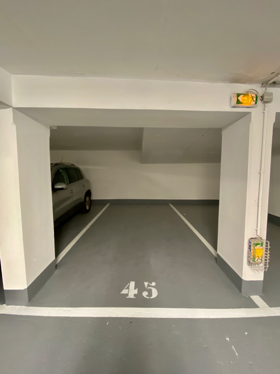 Sale parking spaces Paris 20ème 17 500€ - Picture 1