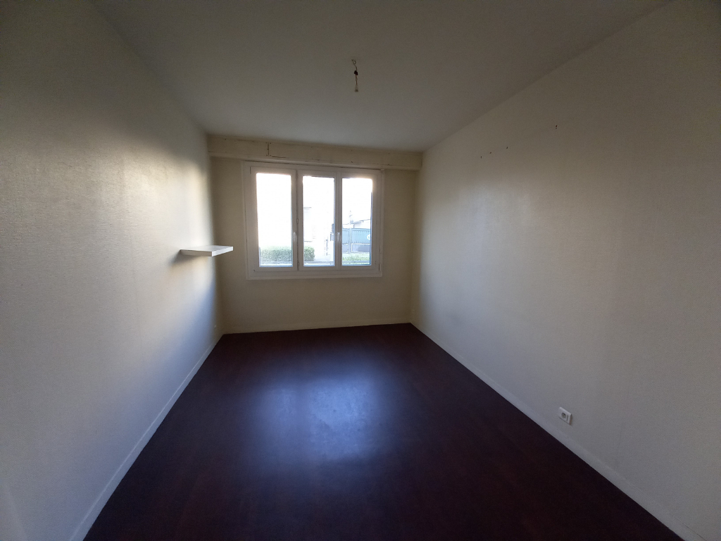 Rental empty room/storage Rennes 780€ HC - Picture 2