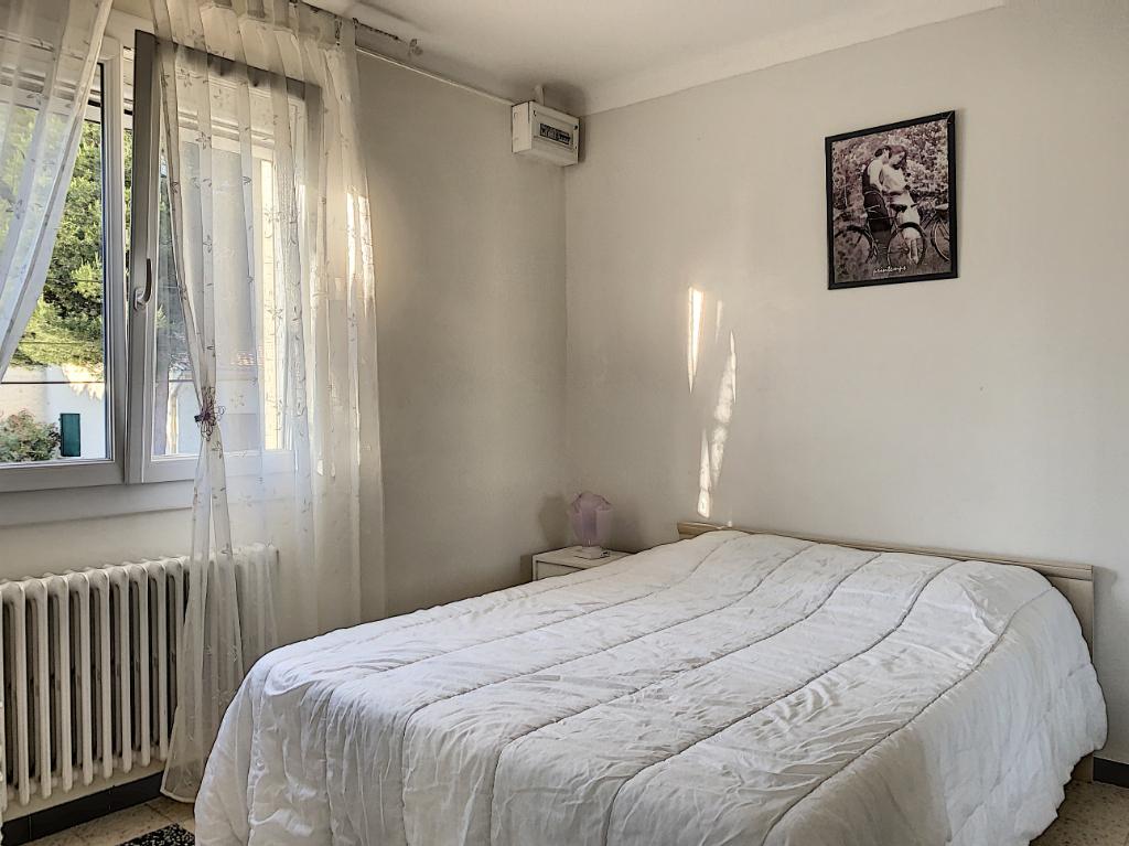 Sale house / villa Morieres les avignon 87000€ - Picture 5