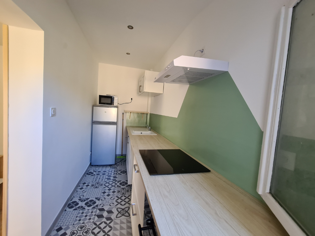 Rental apartment 84000 810€ CC - Picture 2