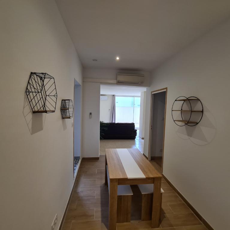 Rental apartment 84000 810€ CC - Picture 3