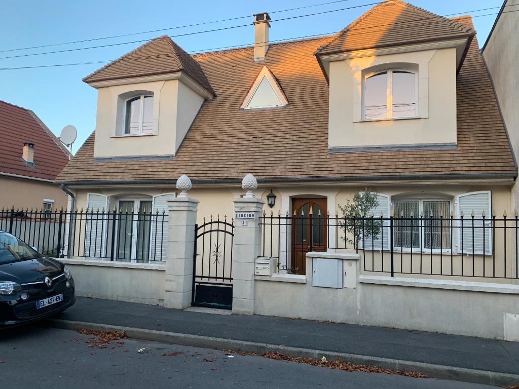 Sale house / villa Sartrouville 699000€ - Picture 1