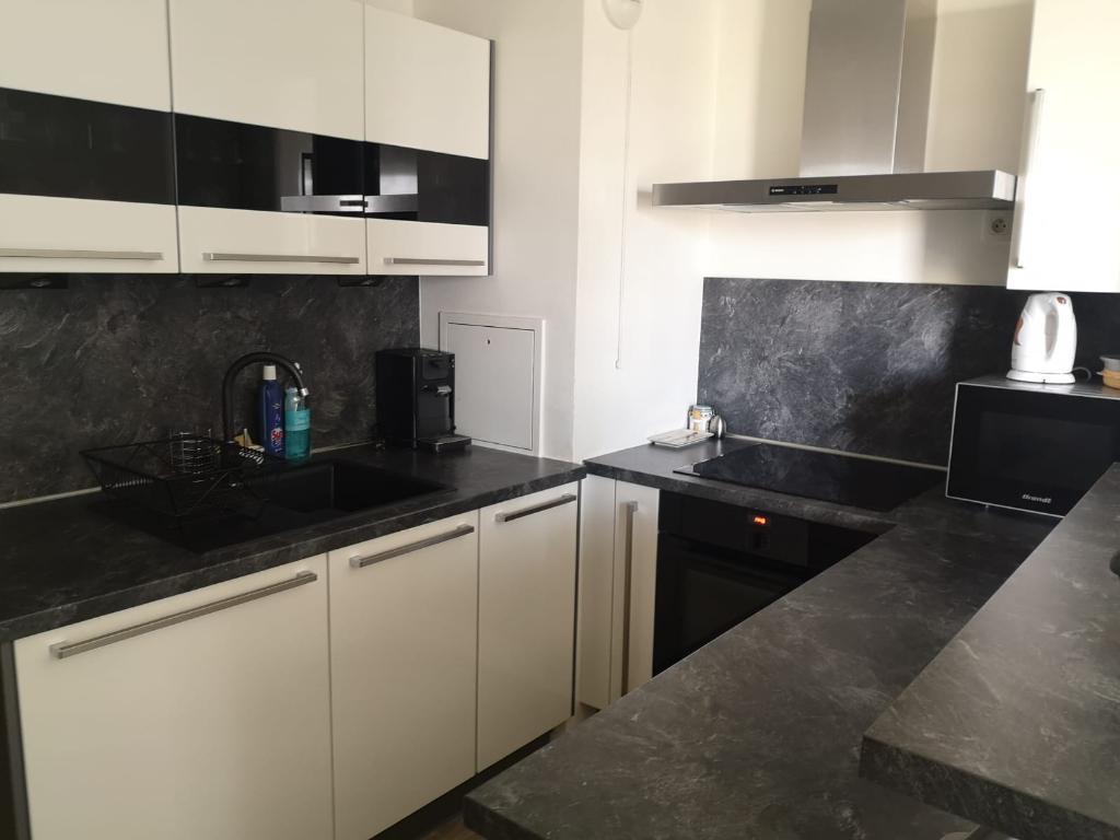 Sale apartment Sartrouville 335000€ - Picture 3
