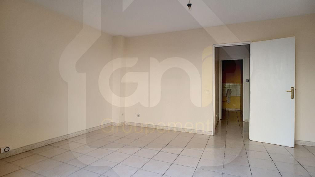 Rental apartment Vitrolles 612€ CC - Picture 2
