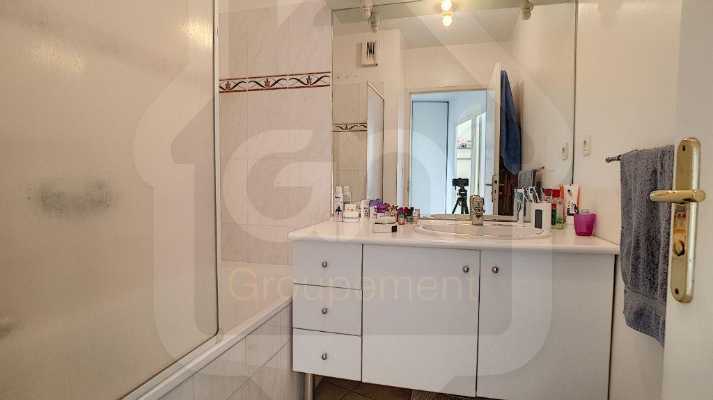 Sale apartment Vitrolles 163000€ - Picture 4