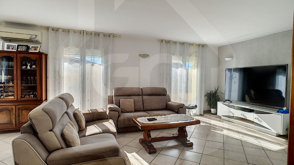 Sale house / villa Vitrolles 445 000€ - Picture 1