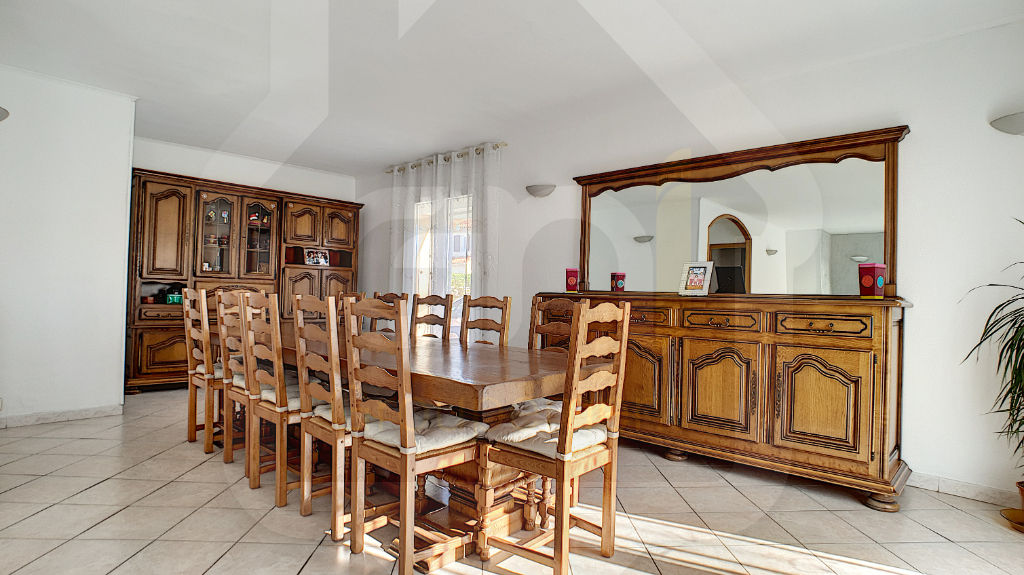 Sale house / villa Vitrolles 445 000€ - Picture 2