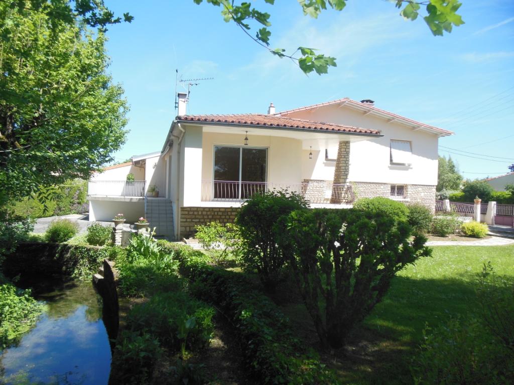 Vente maison / villa Saint symphorien 259900€ - Photo 8