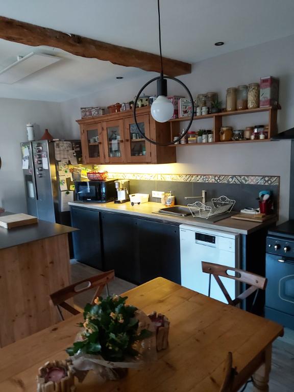 Sale house / villa Francois 261900€ - Picture 4