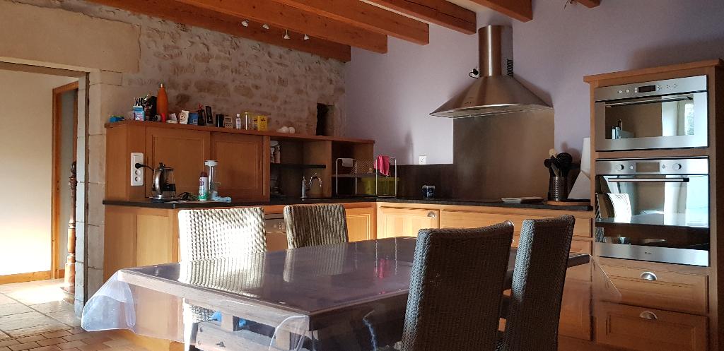 Vente maison / villa Saint martin de saint maixent 322000€ - Photo 5