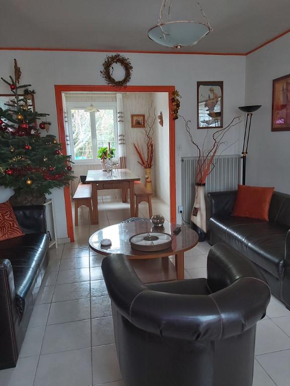 Sale house / villa Chauray 146900€ - Picture 6