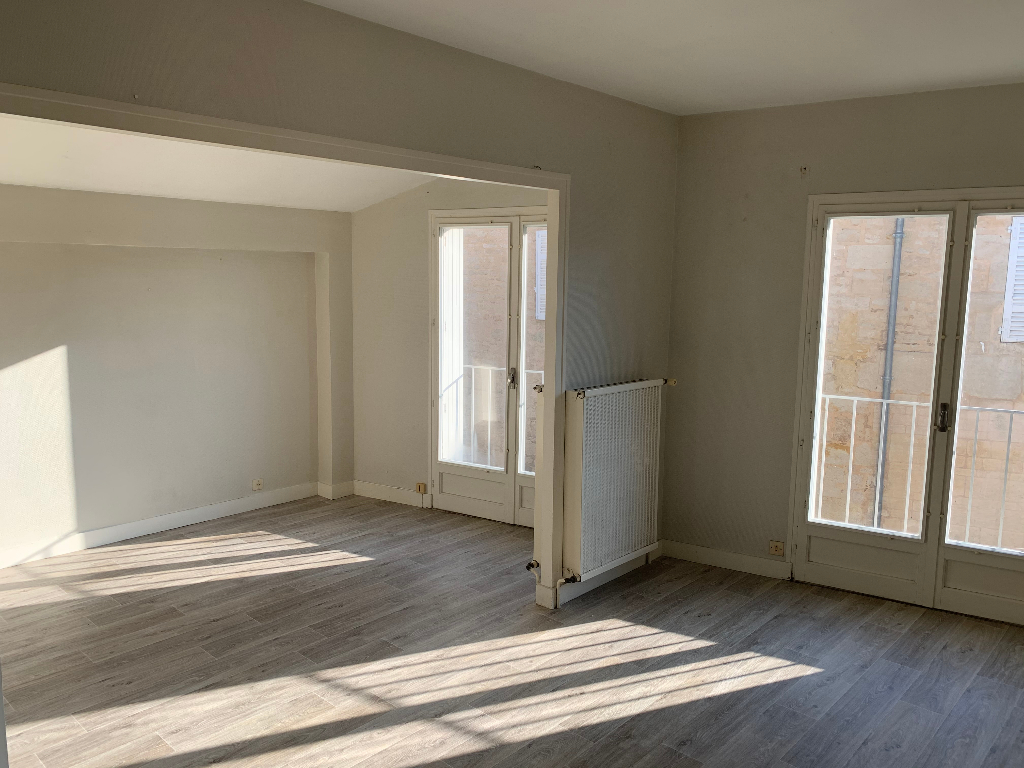 Location appartement Niort 350€ CC - Photo 1