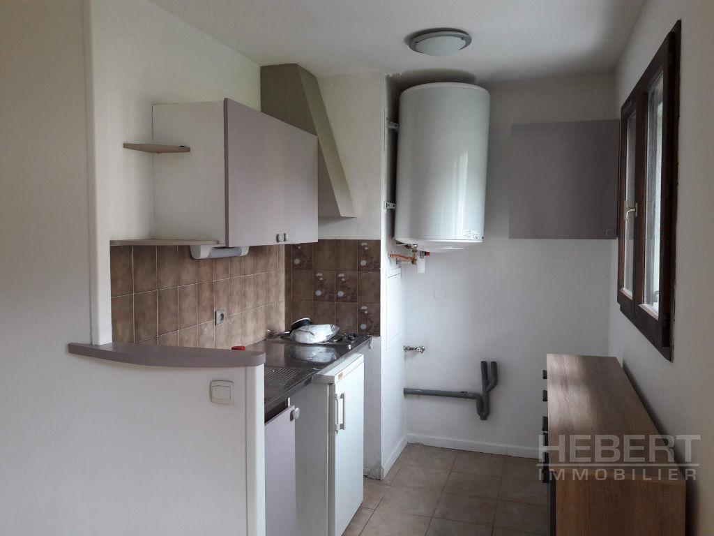 Rental apartment Sallanches 639€ CC - Picture 2