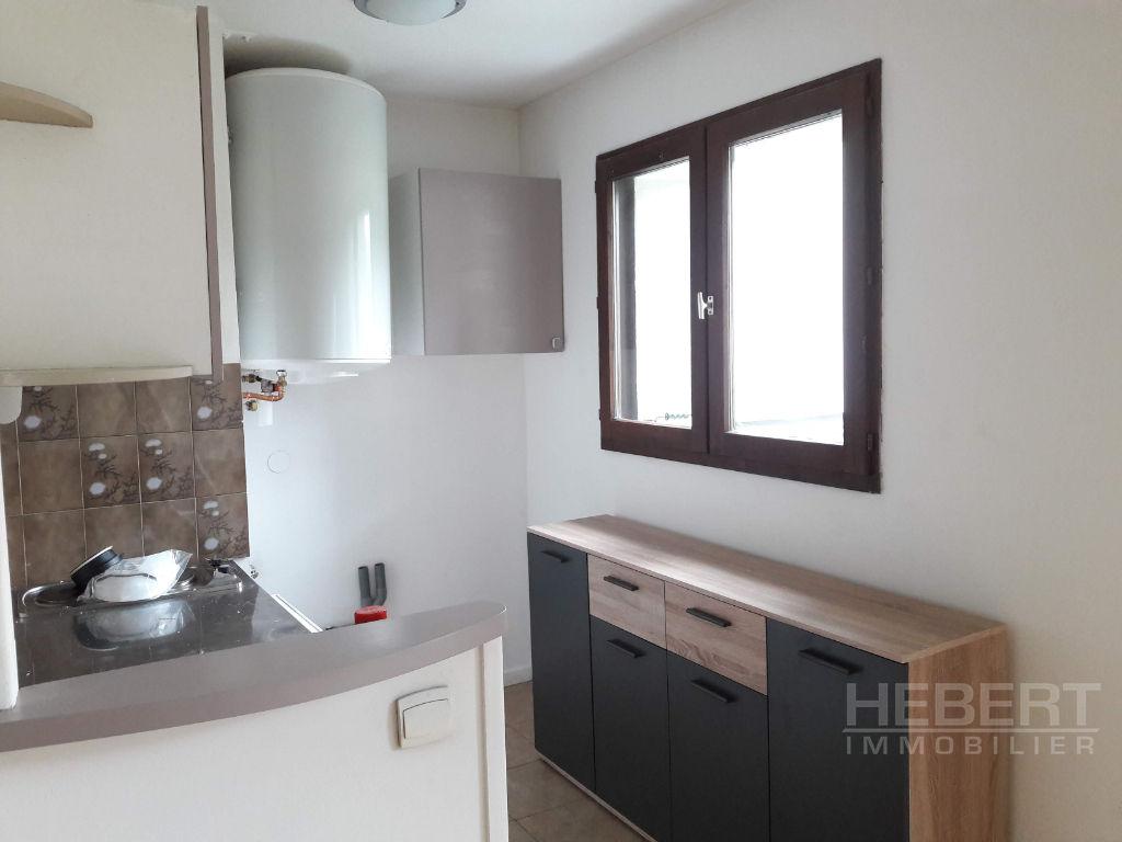 Rental apartment Sallanches 639€ CC - Picture 4