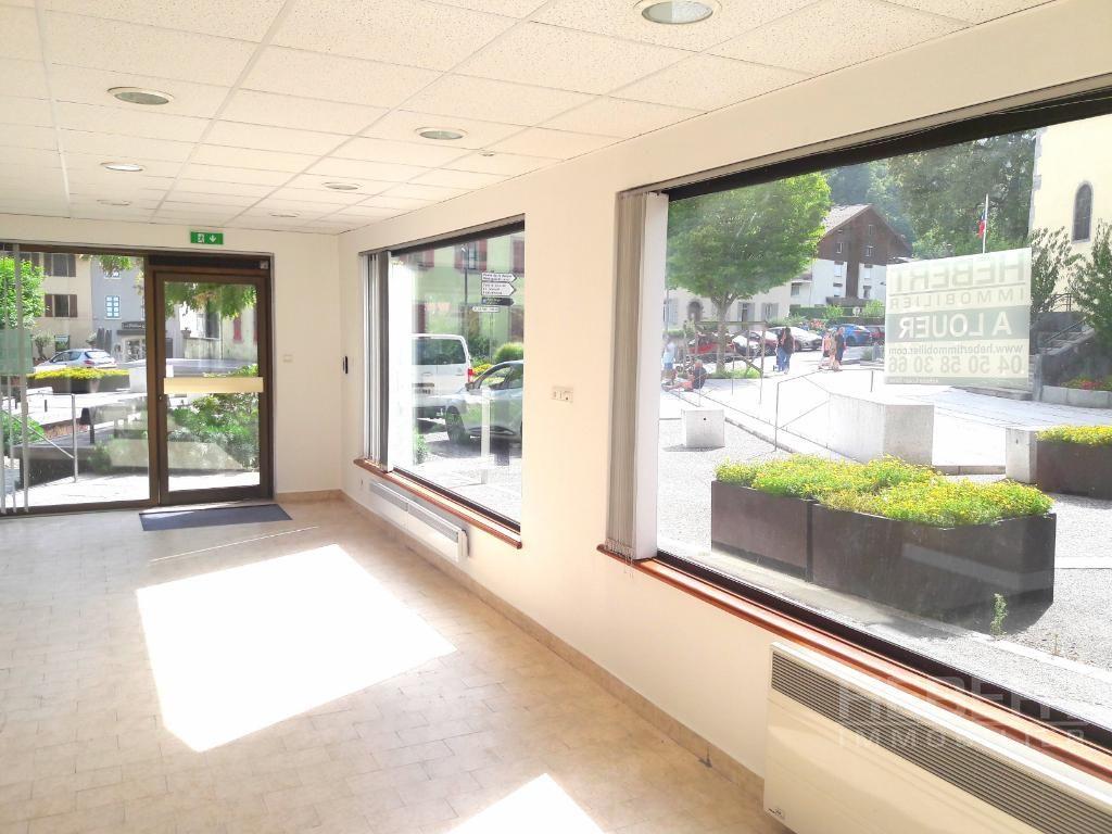 Sale empty room/storage Sallanches 210000€ - Picture 1