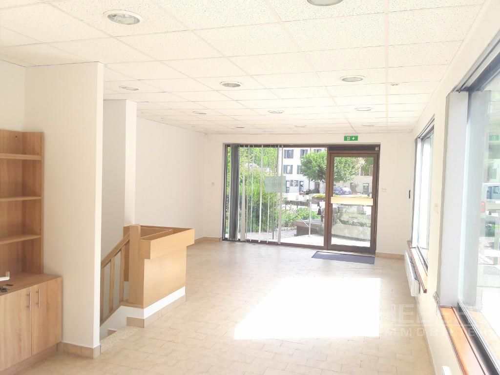 Rental empty room/storage Sallanches 975€ CC - Picture 1