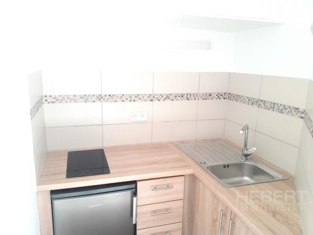 Rental empty room/storage Sallanches 975€ CC - Picture 6