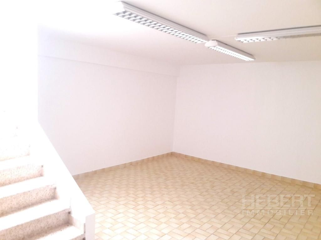 Rental empty room/storage Sallanches 975€ CC - Picture 7