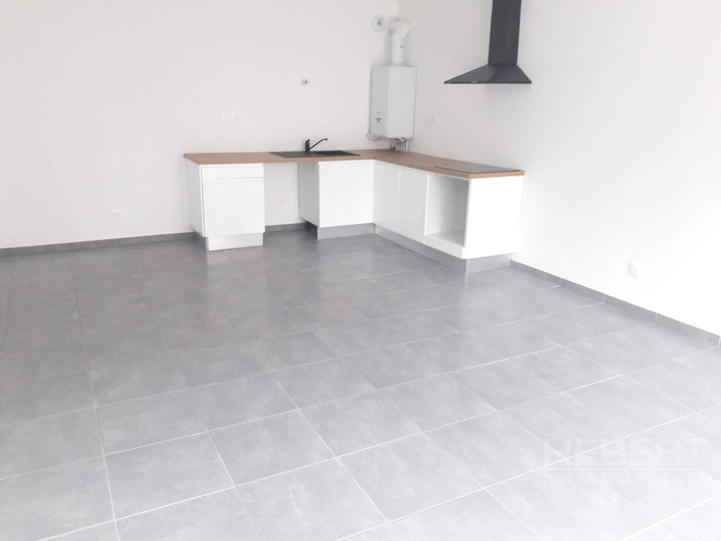 Sale apartment Sallanches 241000€ - Picture 1