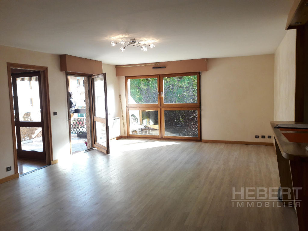 Rental apartment Sallanches 960€ CC - Picture 2