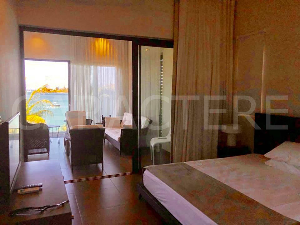 WATERFRONT APARTMENT FOR RENT - 5 | Caractère international