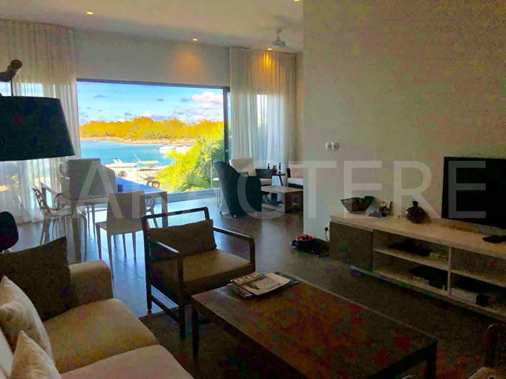 WATERFRONT APARTMENT FOR RENT - 7 | Caractère international