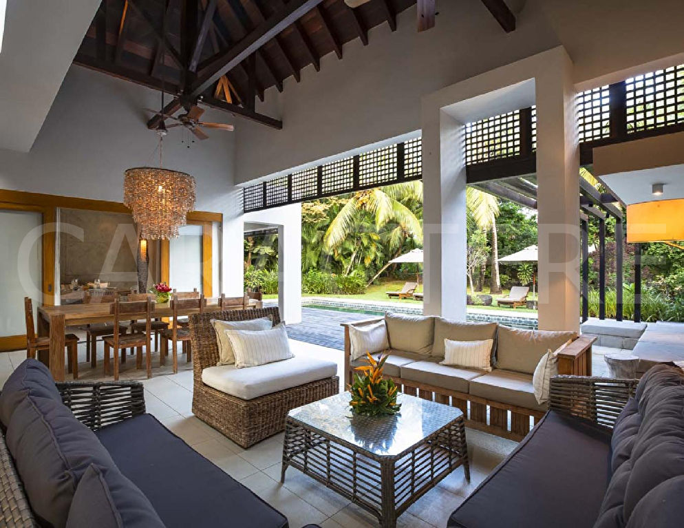 Luxurious 4 bedroom villa in Mauritius | CARACTERE international