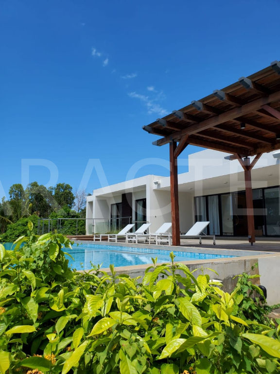 Contemporary villa 7 bedrooms North East Mauritius | CARACTERE international