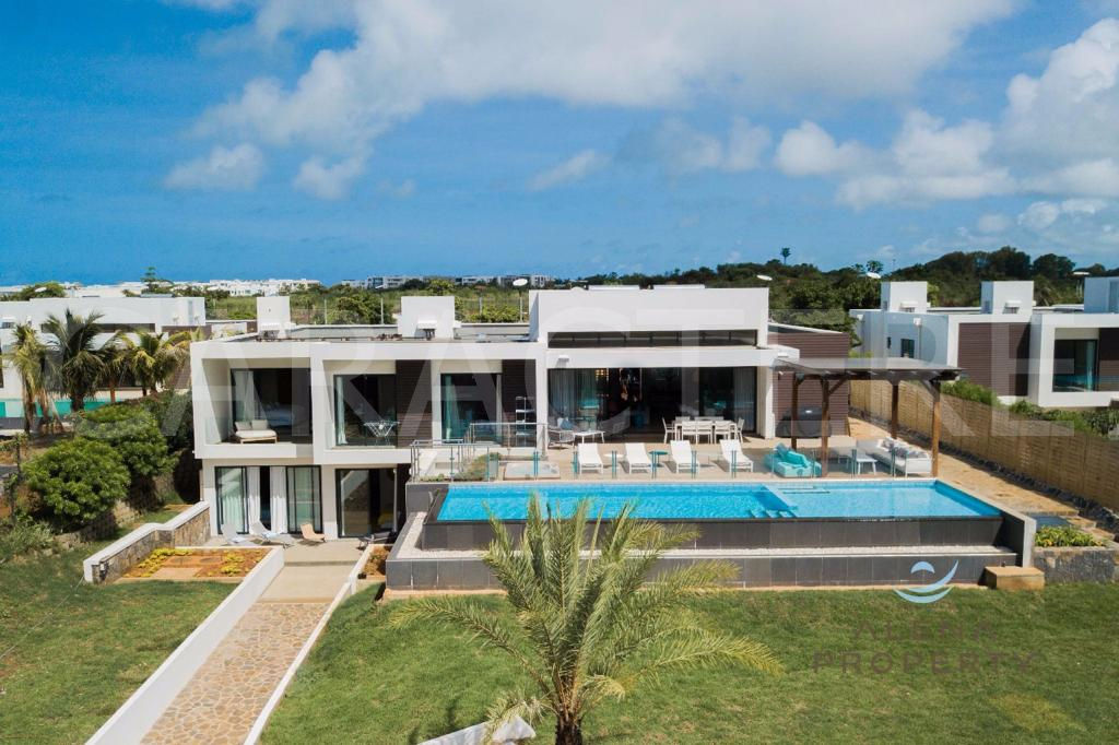 Contemporary villa 7 bedrooms North East Mauritius - 7 | CARACTERE international