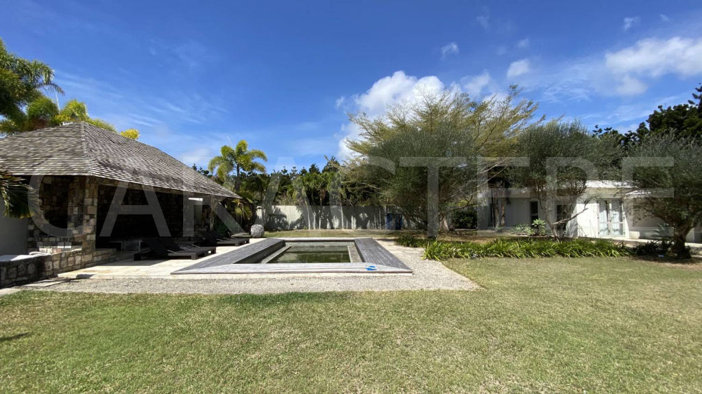 6 bedroom villa North of Mauritius | CARACTERE international