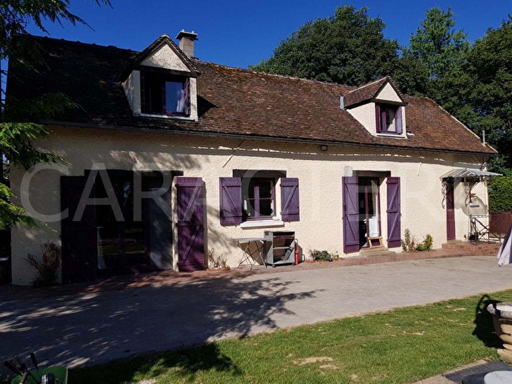 Maison La Celle St Cyr 6 pièce(s) 180 m2 - 2   CARACTERE international