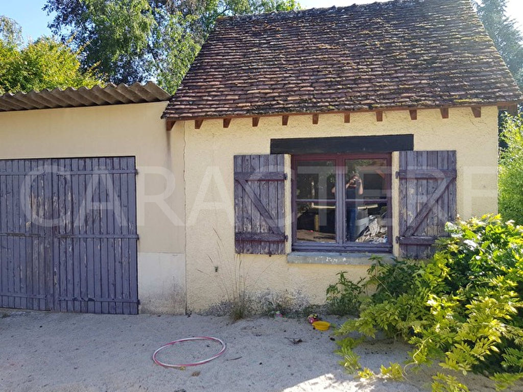 Maison La Celle St Cyr 6 pièce(s) 180 m2 - 5   CARACTERE international
