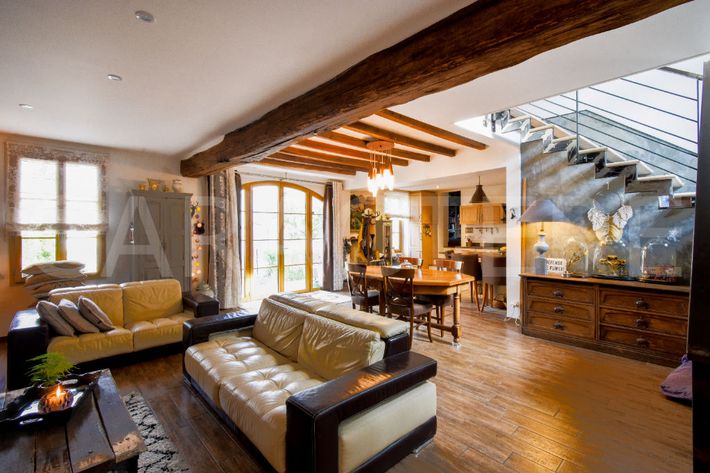 Character property 1h45 from Paris - 4 | CARACTERE international