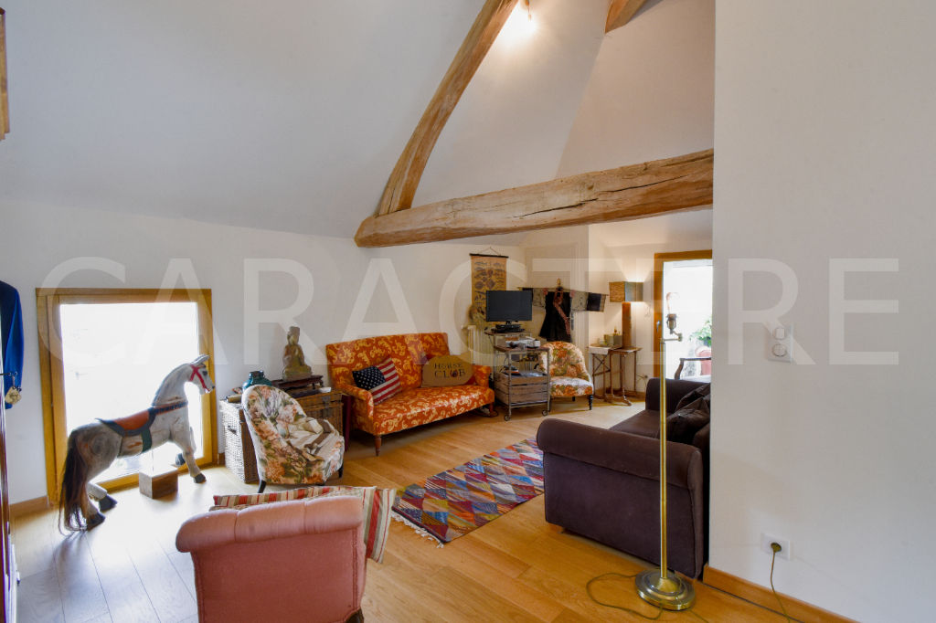 Character property 1h45 from Paris - 7 | CARACTERE international