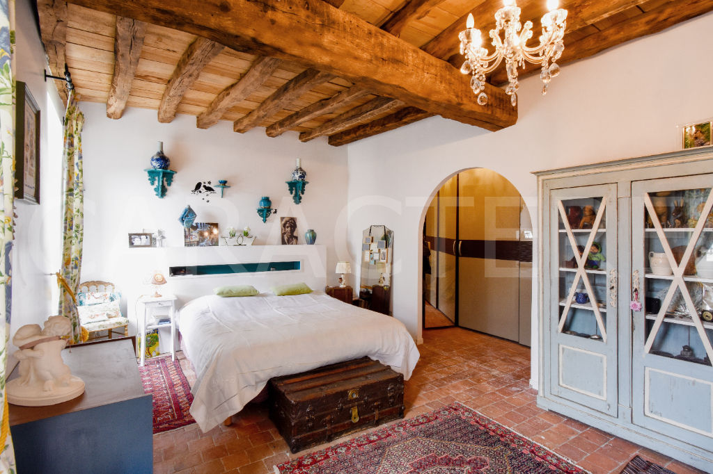 Character property 1h45 from Paris - 8 | CARACTERE international