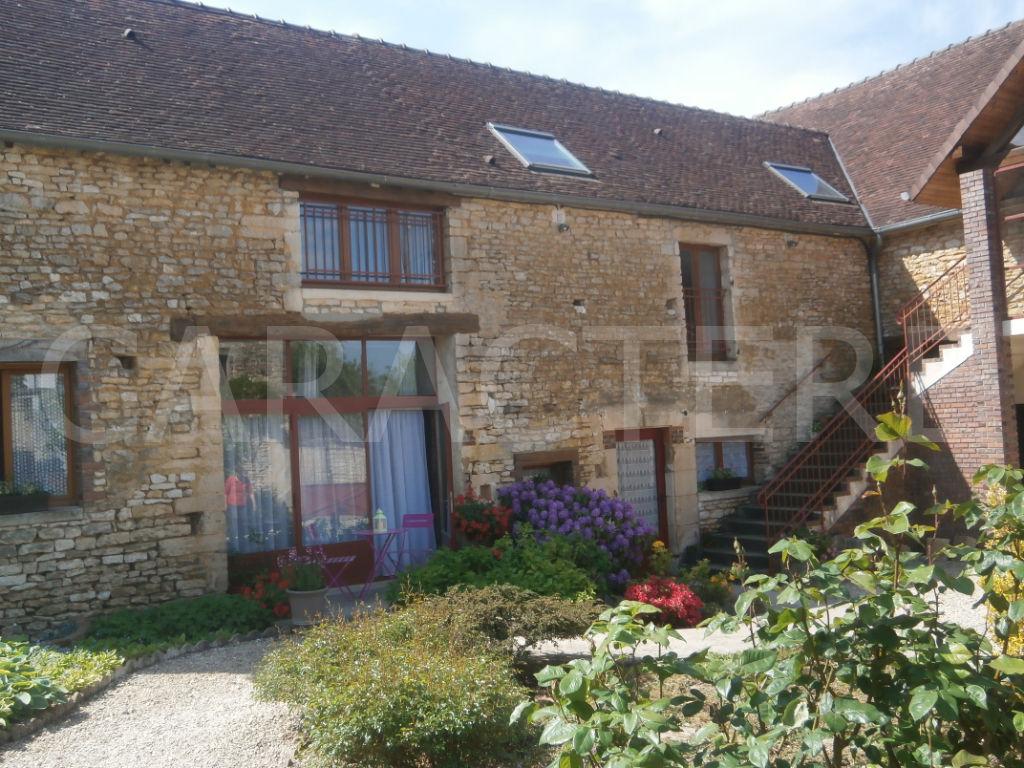 Maison Chaource 30 pièce(s) 603 m2 | CARACTERE international