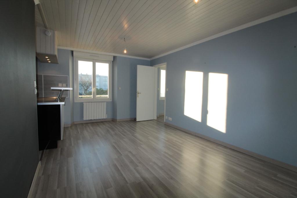 Sale apartment Lorient 91000€ - Picture 1