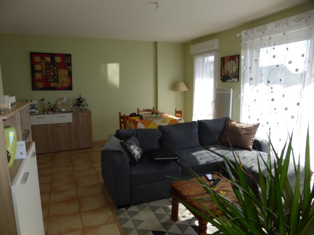 - A VENDRE - Appartement 2 pièces, garage - RIGNAC