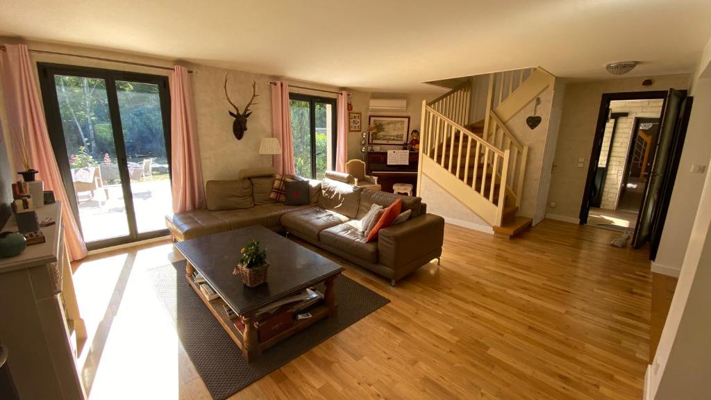 Sale house / villa Verneuil sur seine 1099000€ - Picture 2