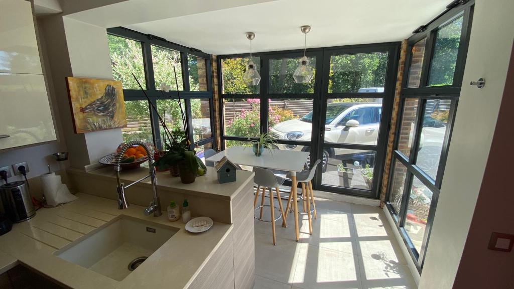 Sale house / villa Verneuil sur seine 1099000€ - Picture 3