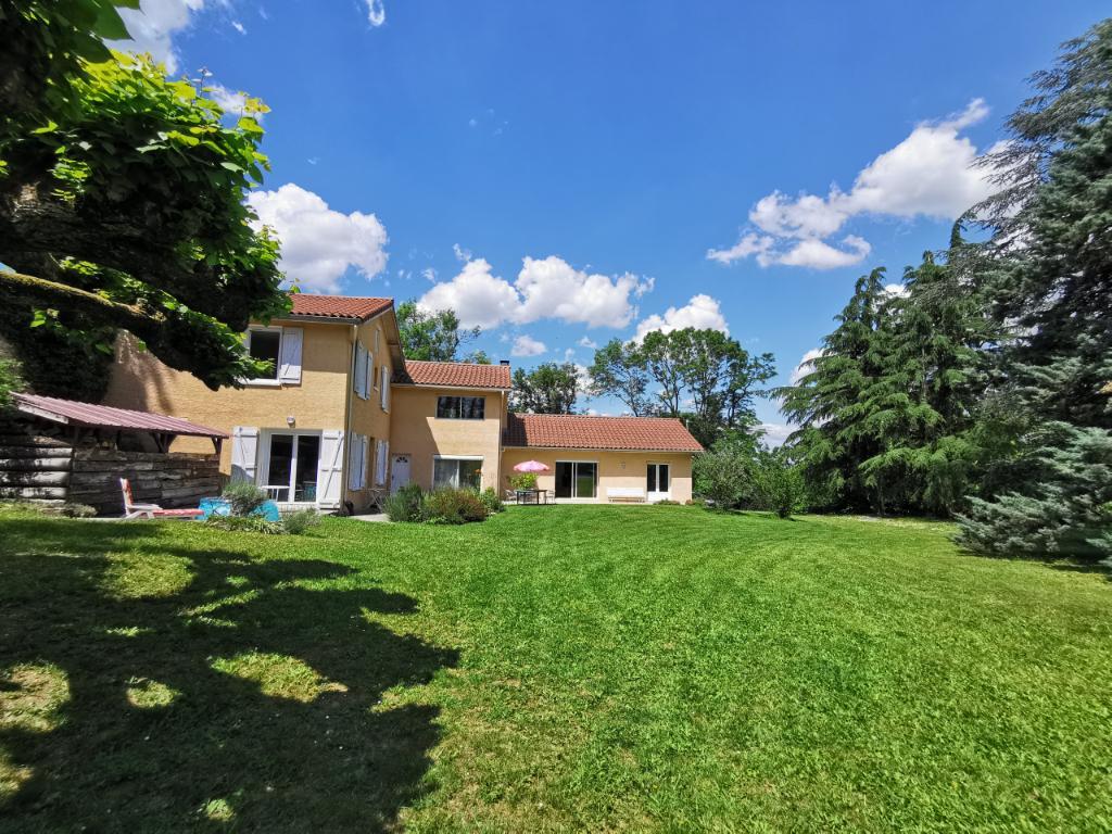 Sale house / villa Bourgoin jallieu 580000€ - Picture 1