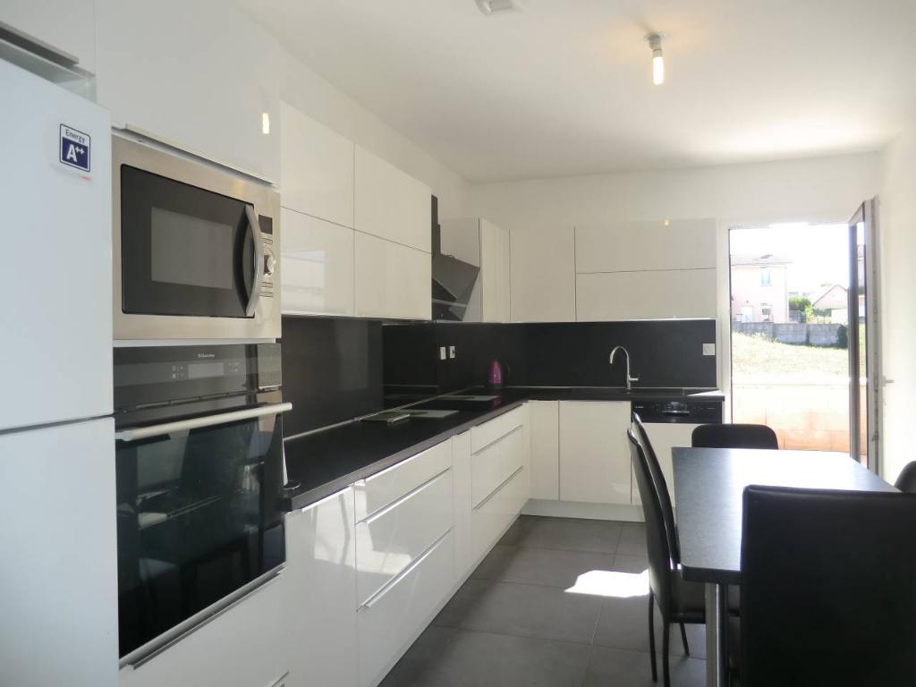 Sale house / villa Bourgoin jallieu 349000€ - Picture 3