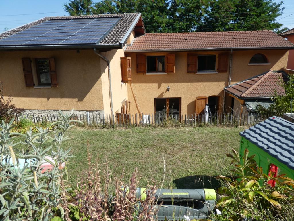 Sale house / villa Bourgoin jallieu 274000€ - Picture 1