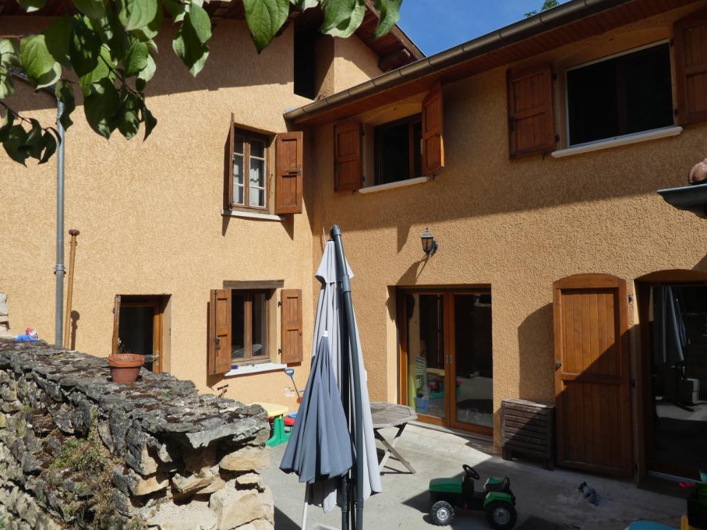 Sale house / villa Bourgoin jallieu 274000€ - Picture 3